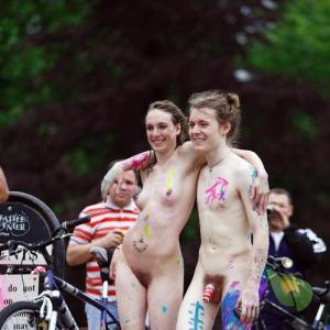 A naturist covered in bodypaint out and about