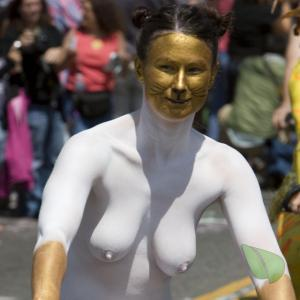 A lady rocking bodypaint