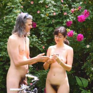 One nude couple