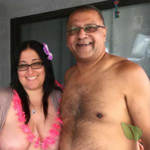 Solo nude friends