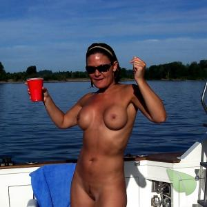 Nudest boating 10